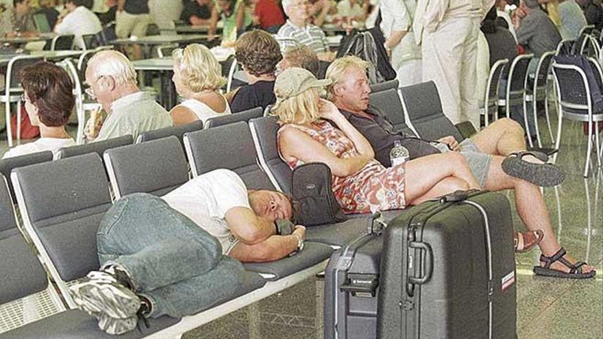 Un pasajero puede demandar a la compañía aérea a través de un tercero