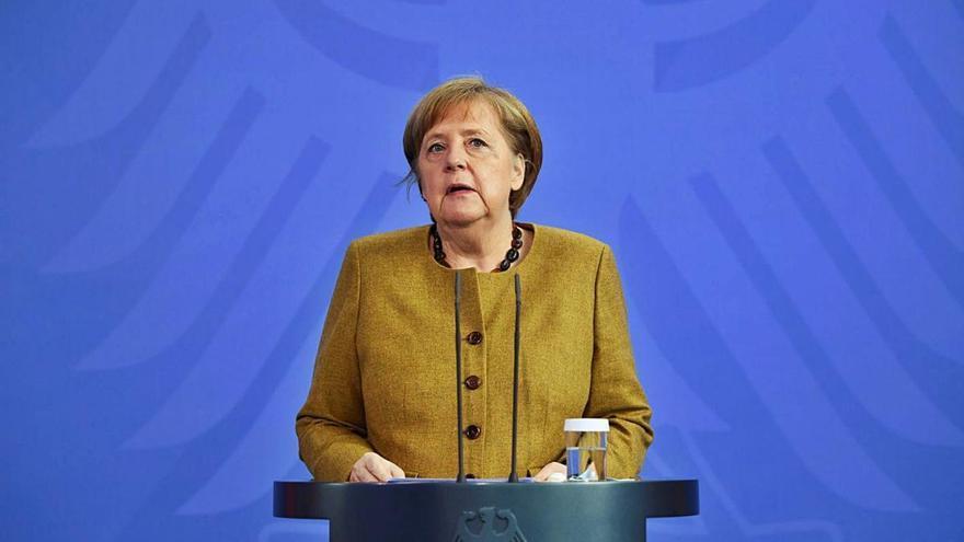 Merkel imposa als estats la  seva línia  dura contra el coronavirus