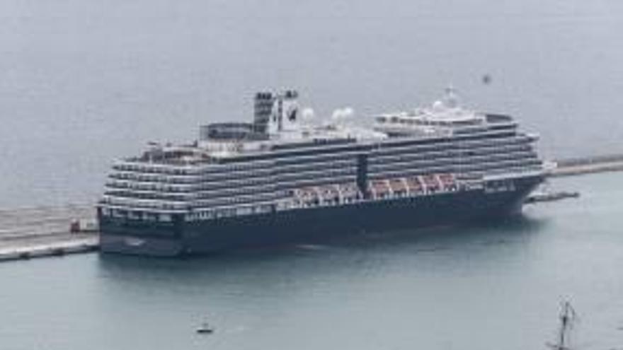 Turismo cita al Puerto y a la terminal para analizar  el batacazo de los cruceros