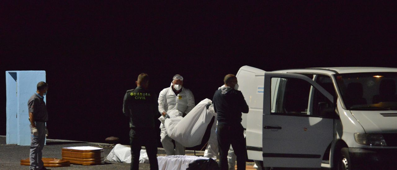 Rescate de migrantes el domingo 11 de marzo en El Hierro.