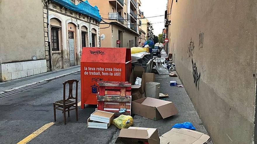Preocupació al carrer Nord de Figueres pels abocaments constants