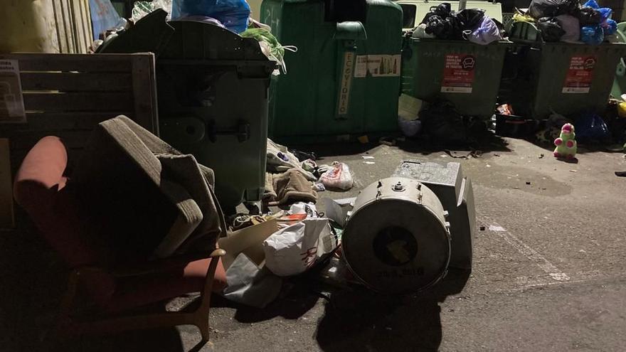 Sancionen amb 1.800 euros un veí de Banyoles per llençar residus voluminosos al carrer