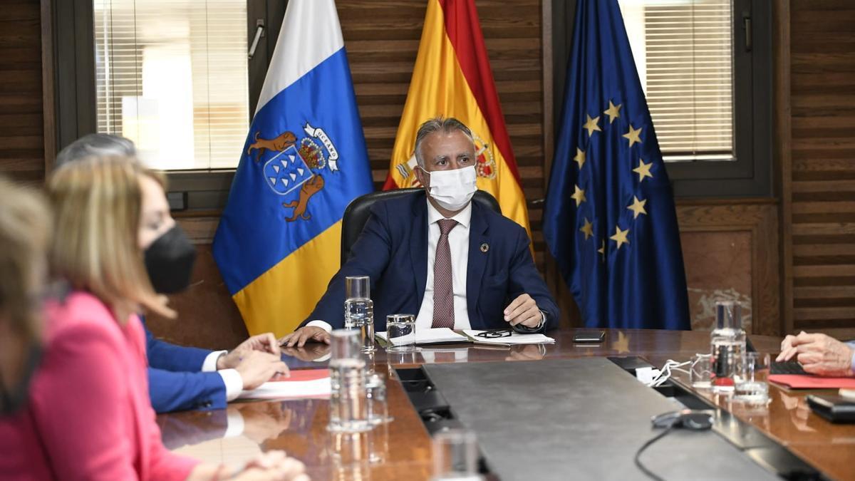 Ángel Víctor Torres presidió el Consejo de Gobierno de Canarias