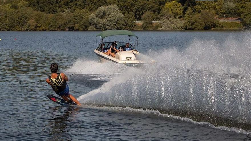 Récord de participación en el Campeonato Gallego de Esquí Náutico en el Río Miño