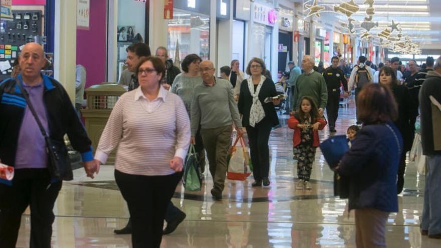 El juez permite que los centros comerciales de Alicante abran domingos y festivos